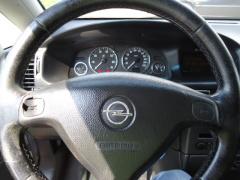 Opel-Zafira-10