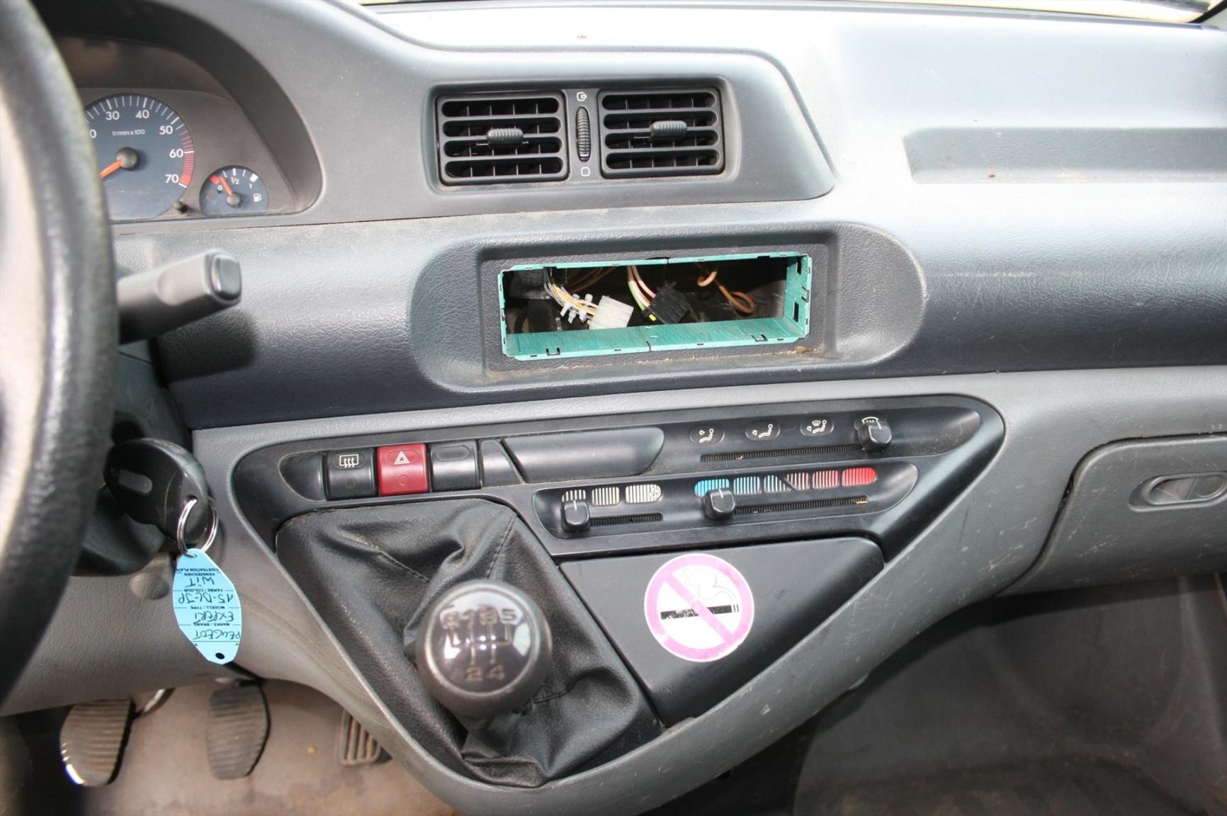Peugeot-Expert-9