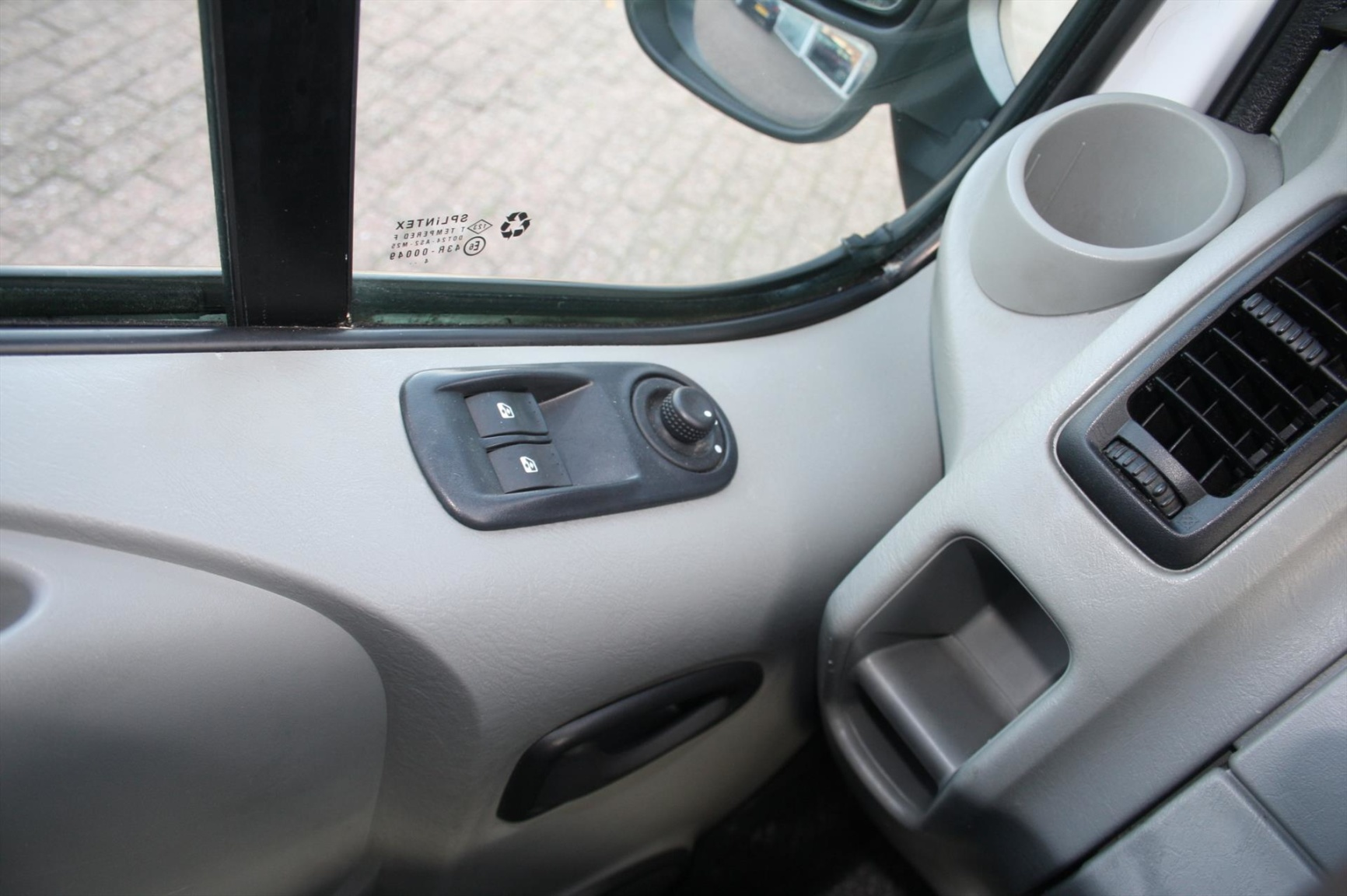 Nissan-Primastar-11
