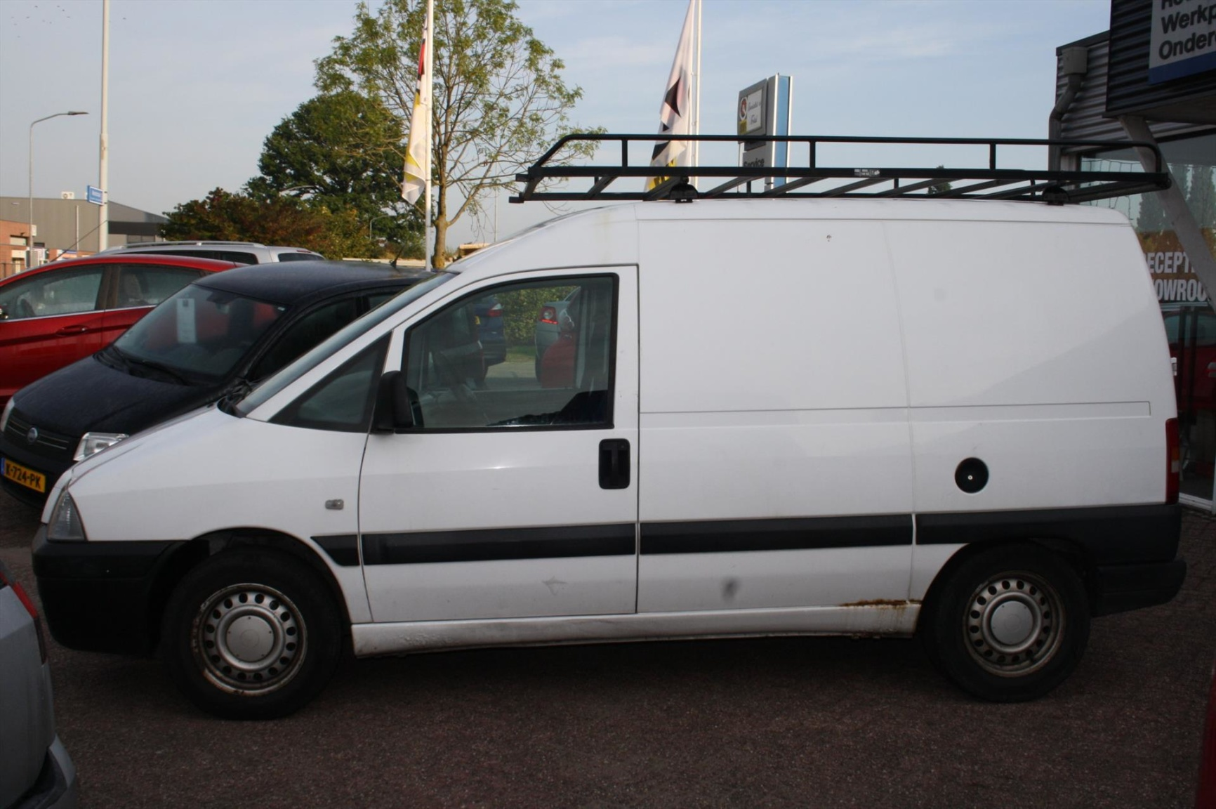 Peugeot-Expert-1