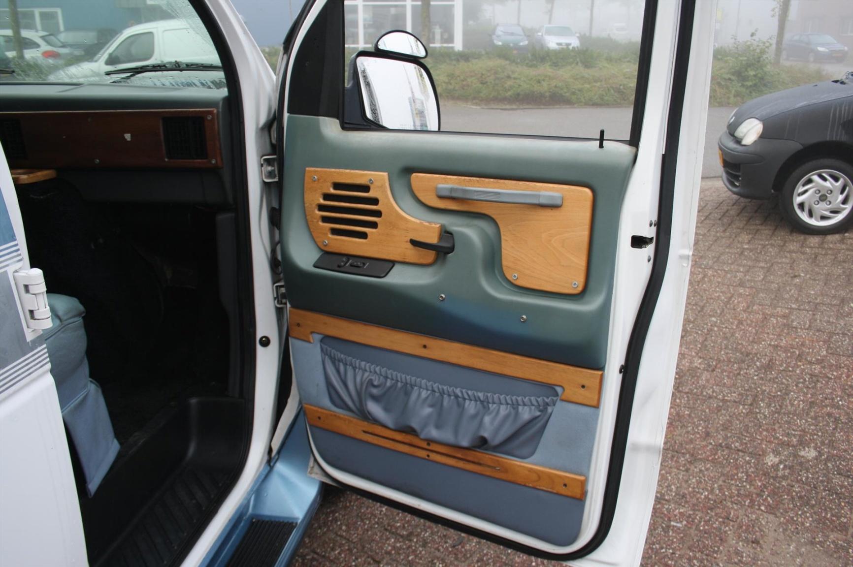 Ford-Camper-9