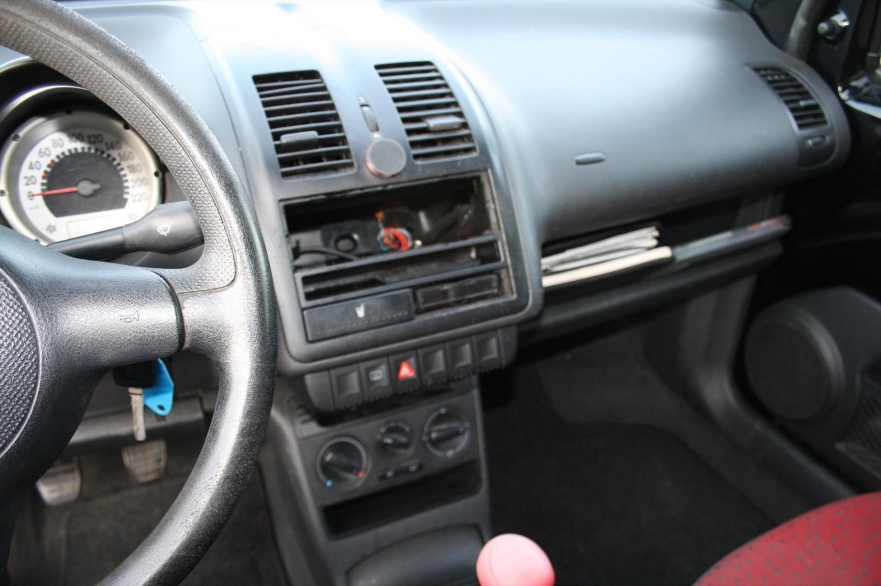 Volkswagen-Lupo-7