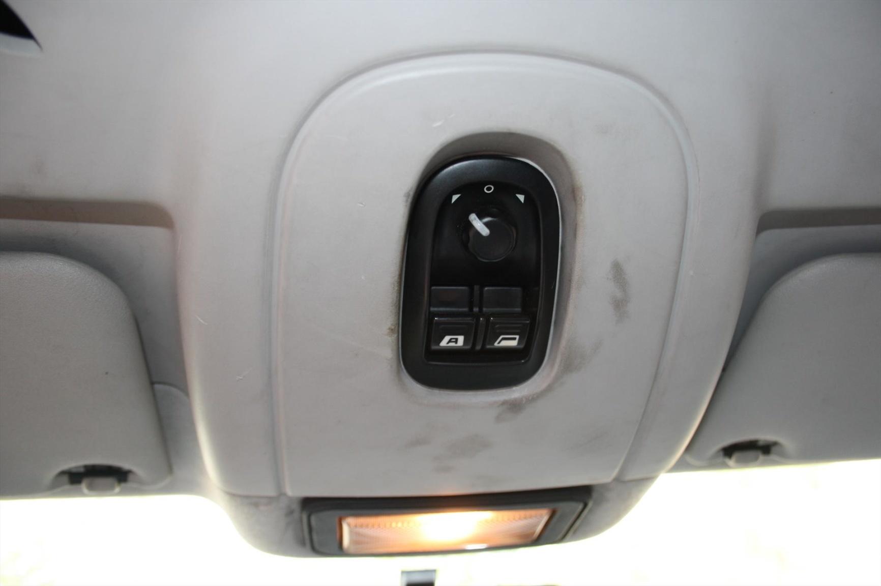 Peugeot-Expert-10